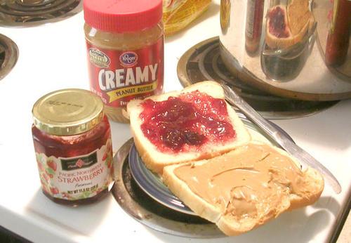 Peanut_and_jelly_3